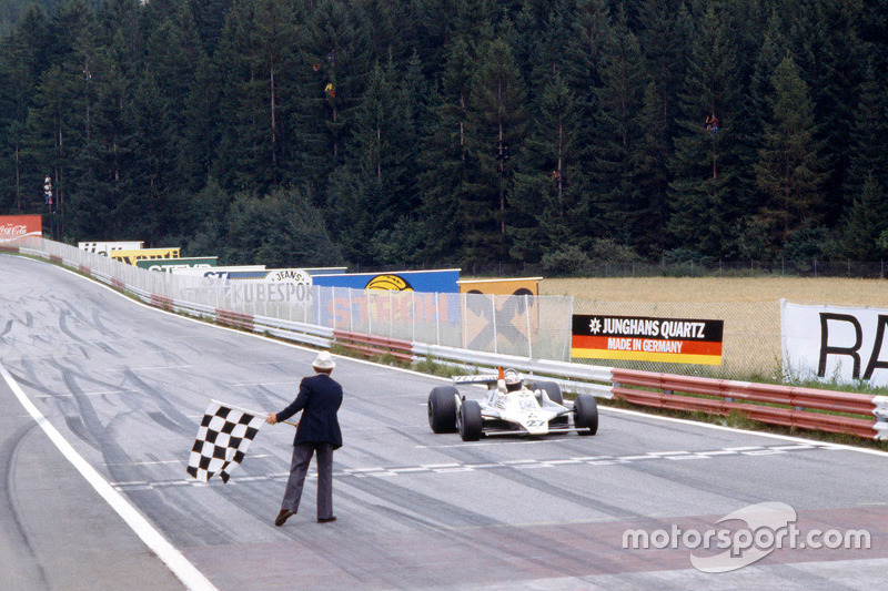 Alan Jones, Williams se lleva la victoria