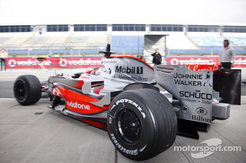 Heikki Kovalainen test ediyoryeni McLaren Mercedes MP4-23