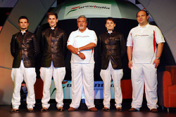 Vitantonio Liuzzi Force India F1, Adrian Sutil Force India F1, Vijay Mallya CEO Kingfisher, Giancarlo Fisichella Force India F1 ve Dr Colin Kolles Force India Takım Patronu