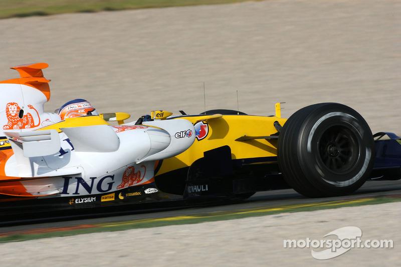Nelson A. Piquet, Renault F1 Team, R27
