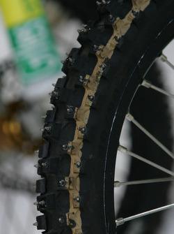 Ice tire