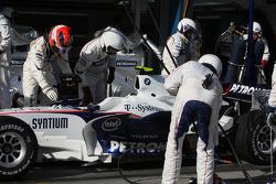 Pit stop for Robert Kubica, BMW Sauber F1 Team