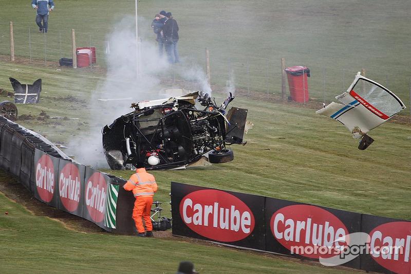 Massive Crash For 55 Rob Austin Racing Ginetta Hunter Abbott At