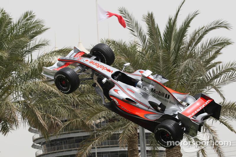 A McLaren Mercedes F Show Car Suspeneded In Midair At Bahrain GP - F1 show car