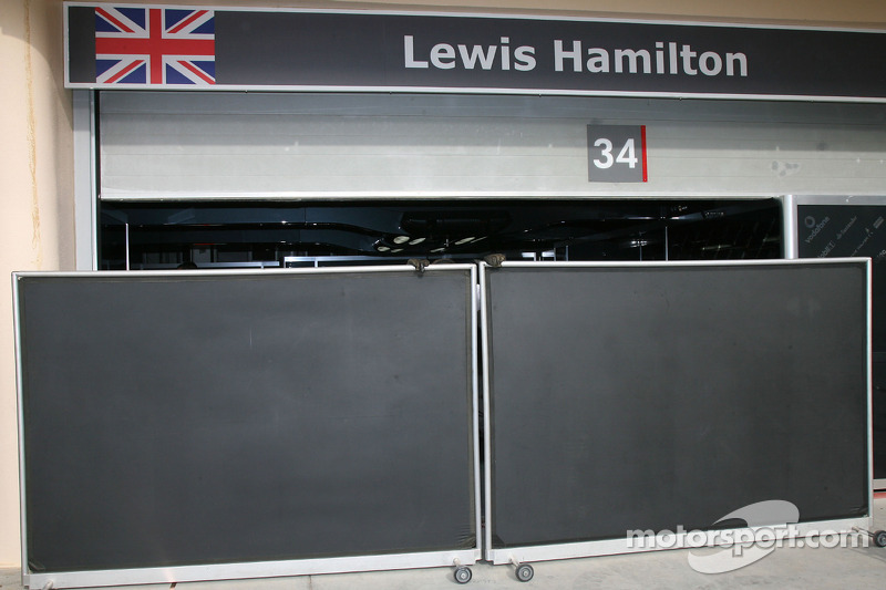 Lewis Hamilton Mclaren Mercedes Shut Garage Doors At Bahrain Gp