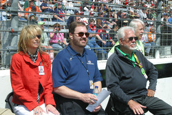 Mr and Mrs Eddie Gossage along with the chairman of Interstate Batteries watch the Doobie Brothers