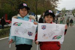 De jeunes fans de Marco Andretti