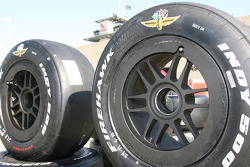 The Wing and Wheel adorn sets of Firestone Firehawks in Gasoline Alley