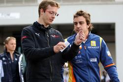 Sebastian Vettel, Scuderia Toro Rosso, Fernando Alonso, Renault F1 Team