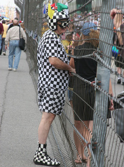 A super race fan