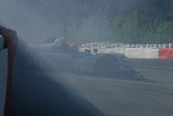 #37 WR / Salini WR - Zytek: Patrice Roussel, Philippe Salini, Stéphane Salini slides into tires at Eau Rouge