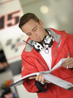 Un technicien Bridgestone