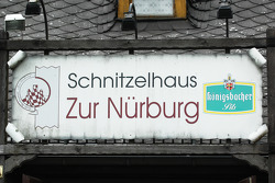 Schnitzelhaus at the foot of the Nürburg castle