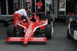 Dan Wheldon's car being loaded on the transporter