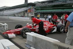 Scott Dixon's car arrives for the winner's shoot