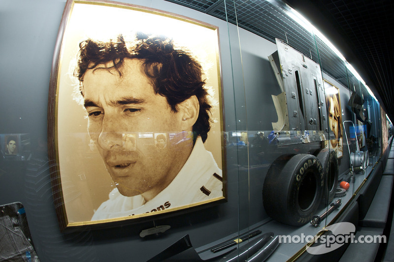 Formula 1 área: Ayrton Senna display