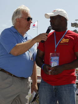 Mike Paz and Thurman Thomas ex-Buffalo Bills player