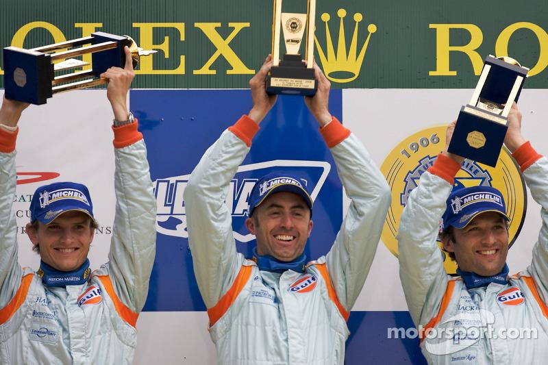 Antonio García en su primera victoria en 2008 con David Brabham y Darren Turner