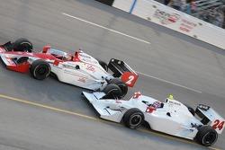 John Andretti and A.J. Foyt IV running close