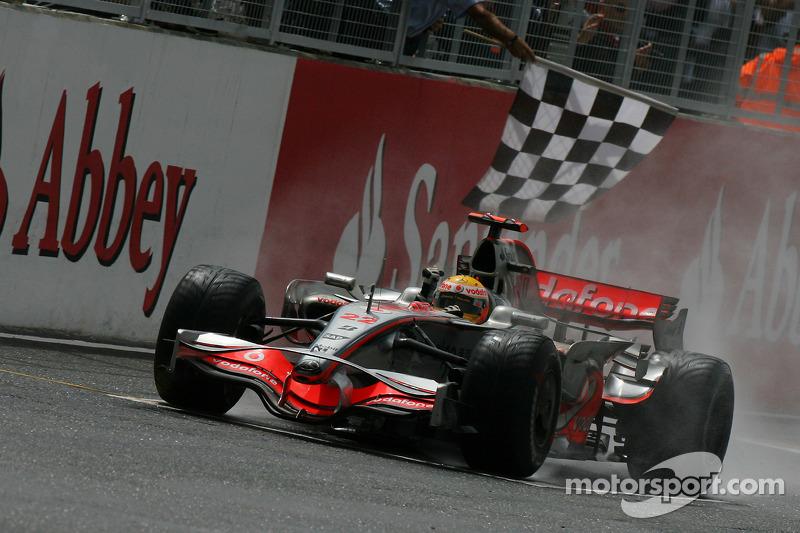 Ganador del Gran Premio de Gran Bretaña de F1 2008: Lewis Hamilton (McLaren-Mercedes MP4-23)