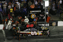 Pit stop for Sterling Marlin
