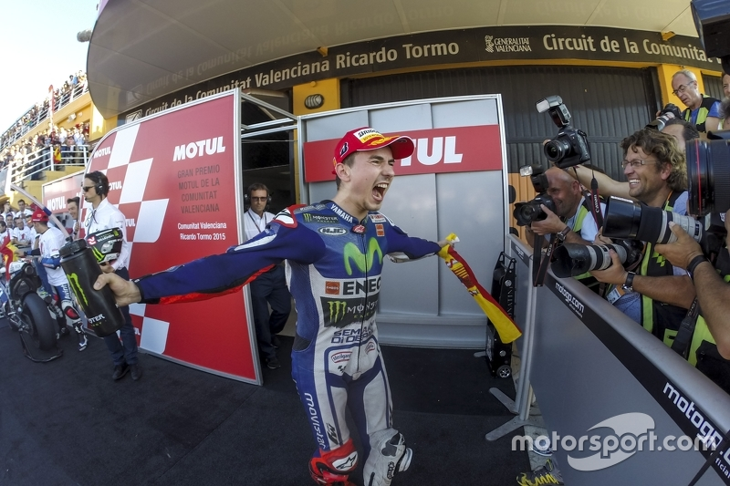 Переможець та 2015 MotoGP Champion Хорхе Лоренцо, Yamaha Factory Racing