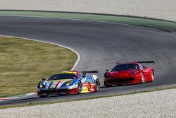 La Ferrari 488 GT3 in scia alla Ferrari 488 GTE