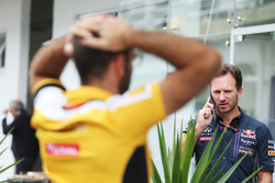 Christian Horner, Red Bull Racing teambaas en Cyril Abiteboul, Renault Sport F1 Managing Director