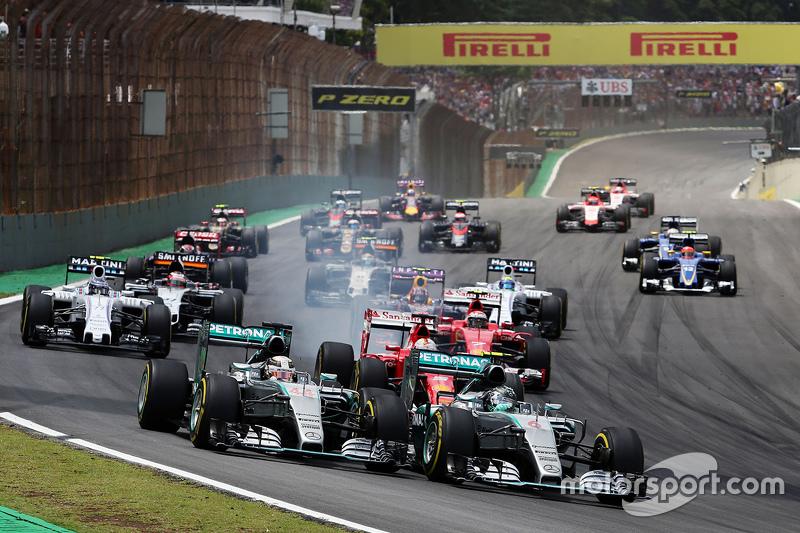 #3: Start in Brasilien: Nico Rosberg vor Lewis Hamilton