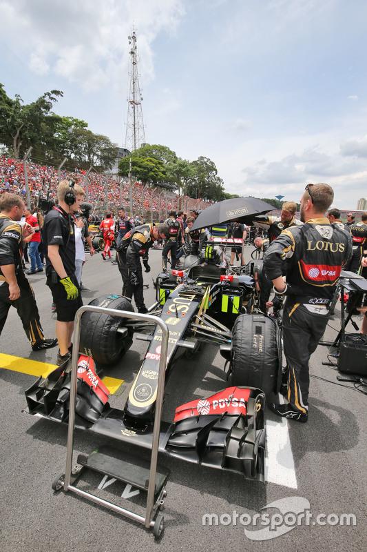 Lotus F1 E23 Ромен Грожан, Lotus F1 Team на стартовій решітці