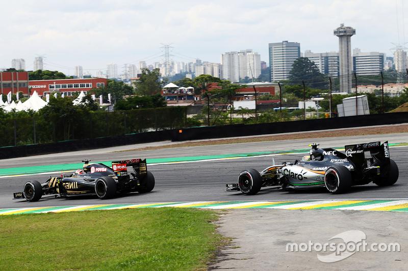 Romain Grosjean, Lotus F1 E23, vor Sergio Perez, Sahara Force India F1 VJM08