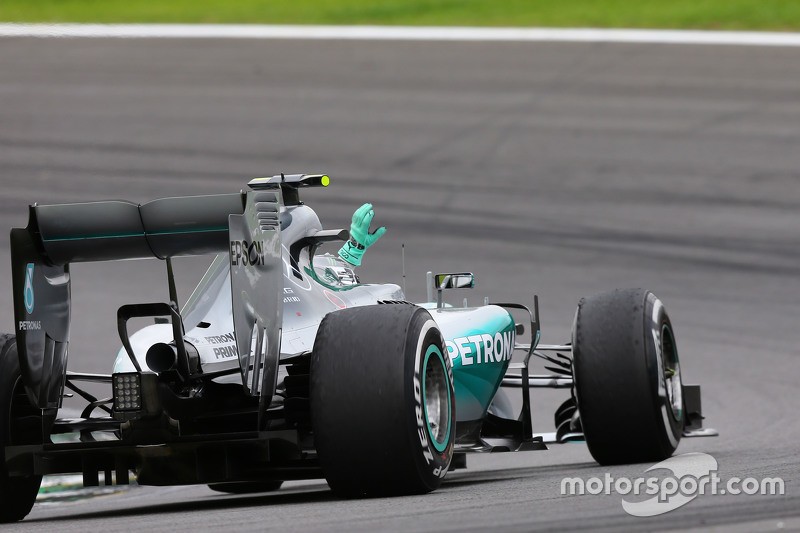 Race winner Nico Rosberg, Mercedes AMG F1 W06 celebrates at the end of the race