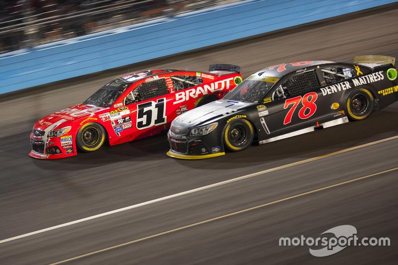 Martin Truex Jr., Furniture Row Racing Chevrolet; Justin Allgaier, Hscott Motorsports Chevrolet