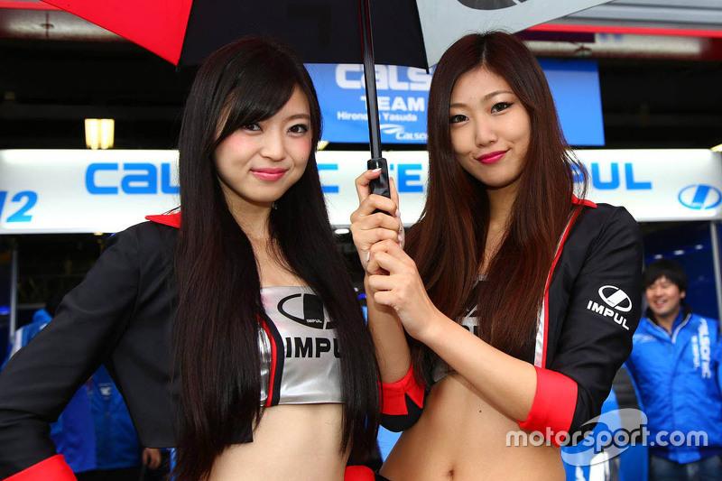 Também tivemos Grid girls no GT na Ásia