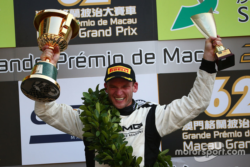 Podium: winner Maro Engel, Mercedes AMG Driving Academy