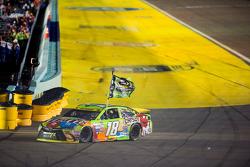 1. und Champion NASCAR Sprint-Cup 2015: Kyle Busch, Joe Gibbs Racing Toyota