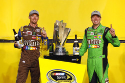 Victory Lane : le Champion NASCAR Sprint Cup Series 2015 Kyle Busch, Joe Gibbs Racing