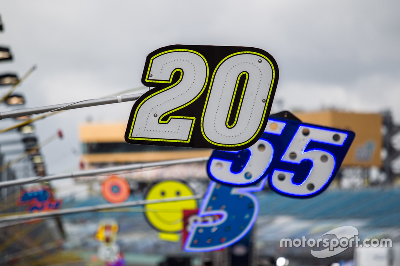 Pit board for Matt Kenseth, Joe Gibbs Racing Toyota