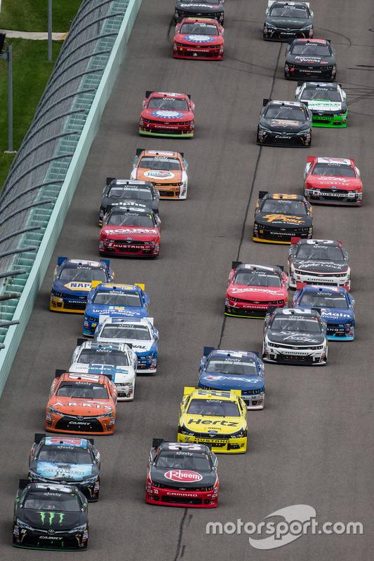 Restart: Austin Dillon, Richard Childress Racing Chevrolet and Kyle Busch, Joe Gibbs Racing Toyota l