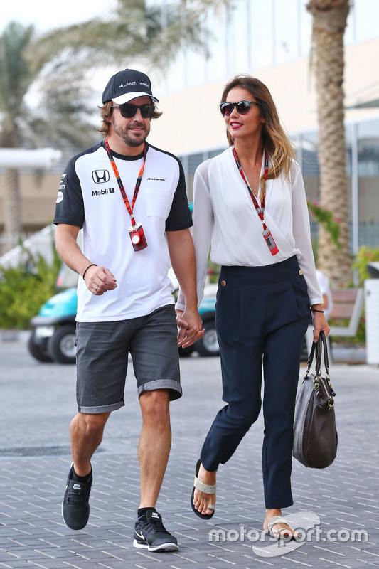 Fernando Alonso, McLaren met vriendin Lara Alvarez