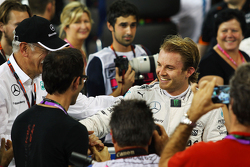 Ganador de la pole Nico Rosberg, Mercedes AMG F1 Team