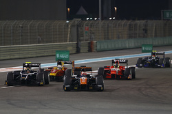 Raffaele Marciello, Trident, leads Artem Markelov, RUSSIAN TIME, Jordan King, Racing Engineering and André Negrao, Arden International