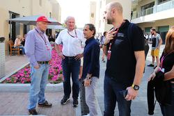 Niki Lauda, Mercedes Presidente no ejecutivo; El Dr. Helmut Marko, Red Bull Motorsport Consultor; Alain Prost, director del equipo Lotus F1