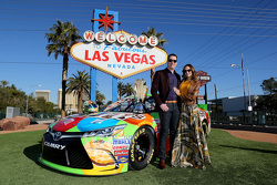 NASCAR-Champion Kyle Busch, Joe Gibbs Racing Toyota, mit Frau Samantha