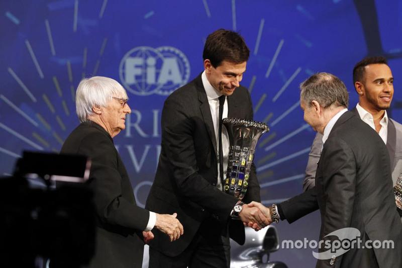 Lewis Hamilton, Mercedes AMG F1, Bernie Ecclestone, Toto Wolff, Mercedes AMG F1 Accionista y Director Ejecutivo