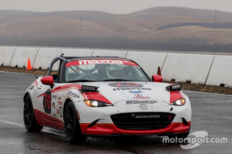 #70 Mazda USA, Mazda MX-5 Cup: Robert DeVaux, Liam Dwyer, Nathan Edmonds