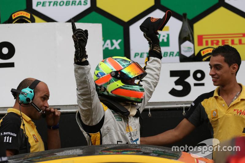Fábio Carbone comemora vitória em Interlagos