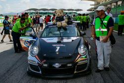 #7 NZ Takımı Porsche 997 Cup: John Curran, Graeme Dowsett, Will Bamber, Alif Hamdan