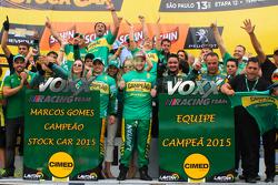 Voxx comemora títulos na Stock Car