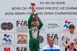 郑家年获得冠军,澳门国际格兰披治卡丁车大赛